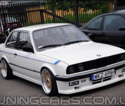Накладки на пороги BMW E30 М-Тех 2, БМВ Е30