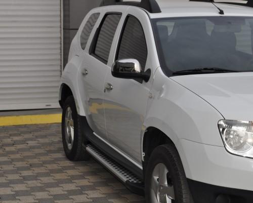Пороги Dacia/Renault Duster (2010+) AB004 (Artemis Silver)