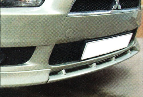 Накладка на передний бампер Mitsubishi Lancer X Средняя / Центральная