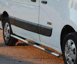 Пороги трубы с накладками для Nissan NV400 (2010+) NSNV.10.S1-02E d60мм x 1.6