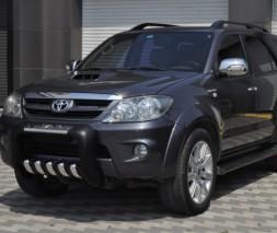 Кенгурятник Toyota Fortuner [2005+] QT001