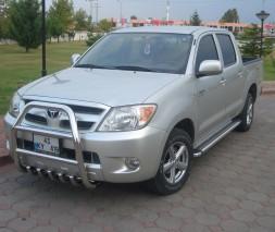 Кенгурятник Toyota Hilux QT007
