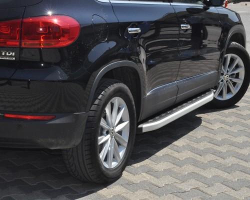 Пороги Volkswagen Tiguan (2006+) NS001 (Newstar Grey)