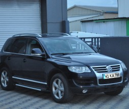 Пороги Volkswagen Touareg AB004 (Artemis Silver)