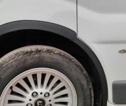 Renault Trafic 2007-2015 Накладки на арки черные металлические