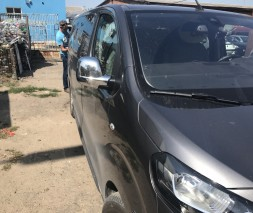 Opel Vivaro 2019+ Накладки на зеркала черный хром