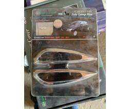 BMW 5 серия E-60/61 2003-2010 гг. Накладки на повторитель поворота (2 шт, пласт)