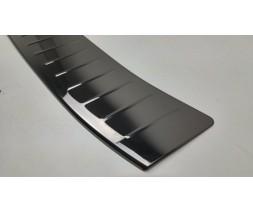 Ford Kuga/Escape 2013-2019 гг. Накладка на задний бампер Черный хром (нерж.)