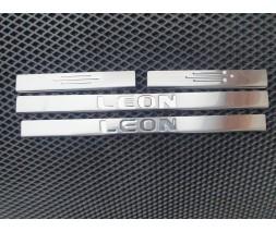 Seat Leon 2013↗ гг. Накладки на пороги (Carmos, 4 шт, нерж)