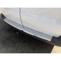 Накладка на задний бампер с загибом (Carmos, сталь) для Volkswagen T5 Caravelle 2004-2010