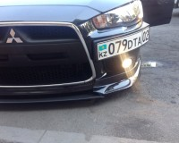 Mitsubishi Lancer X Подиум под номер черный глянец