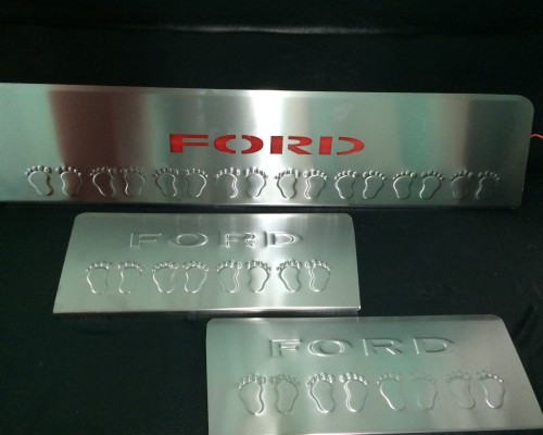 Накладки на пороги LED-красный (3 шт, нерж) Ford Transit 2014