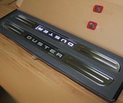 Беспроводные пороги с подсветкой (2 шт, нерж) Dacia Duster 2008-2018
